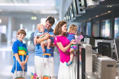 Actualiza Web, 5 trucos para evitar desfalcos al viajar en familia..jpg