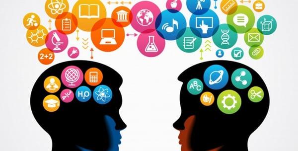 Actualiza Web, Comunicacion