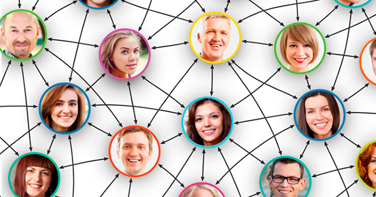 Actualiza Web, familiares y amigos primero